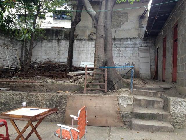 Terreno Distrito Metropolitano>Caracas>Los Rosales - Venta:100.000 Precio Referencial - codigo: 21-1831