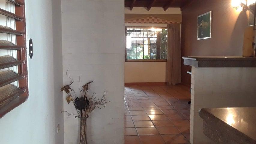 Casa Lara>Cabudare>La Piedad Norte - Alquiler:150 Precio Referencial - codigo: 21-1895