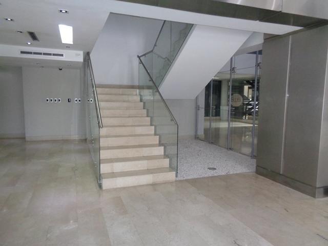 Oficina Lara>Barquisimeto>Zona Este - Venta:53.500 Precio Referencial - codigo: 21-1931