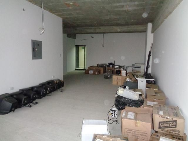 Oficina Lara>Barquisimeto>Zona Este - Venta:54.500 Precio Referencial - codigo: 21-1933