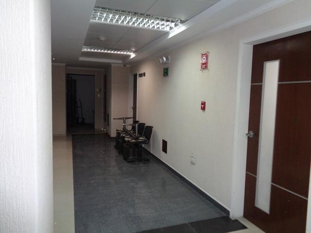 Oficina Lara>Barquisimeto>Zona Este - Venta:59.500 Precio Referencial - codigo: 21-1938