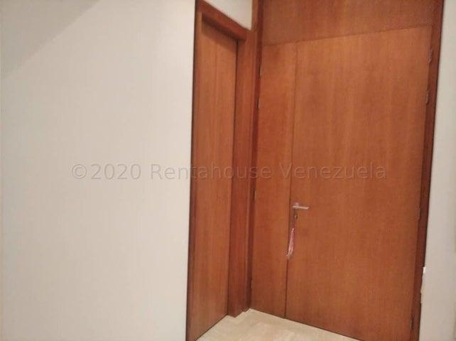 Apartamento Distrito Metropolitano>Caracas>Campo Alegre - Venta:1.000.000 Precio Referencial - codigo: 21-1986