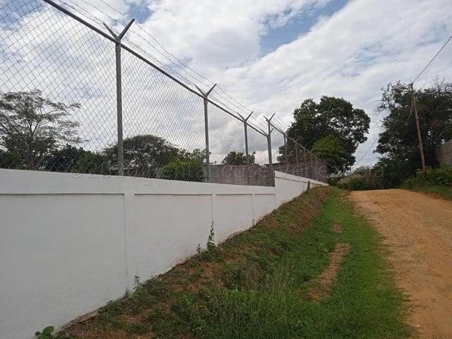 Casa Lara>Cabudare>Parroquia Cabudare - Venta:250.000 Precio Referencial - codigo: 21-2032