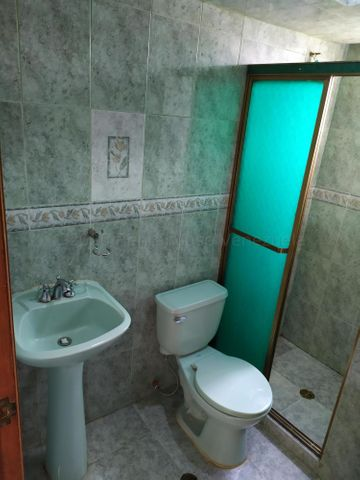 Apartamento Miranda>Cua>Centro - Venta:8.500 Precio Referencial - codigo: 21-2129