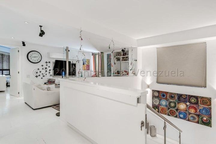 Apartamento Distrito Metropolitano>Caracas>Mirador de Los Campitos I - Alquiler:5.000 Precio Referencial - codigo: 21-2163