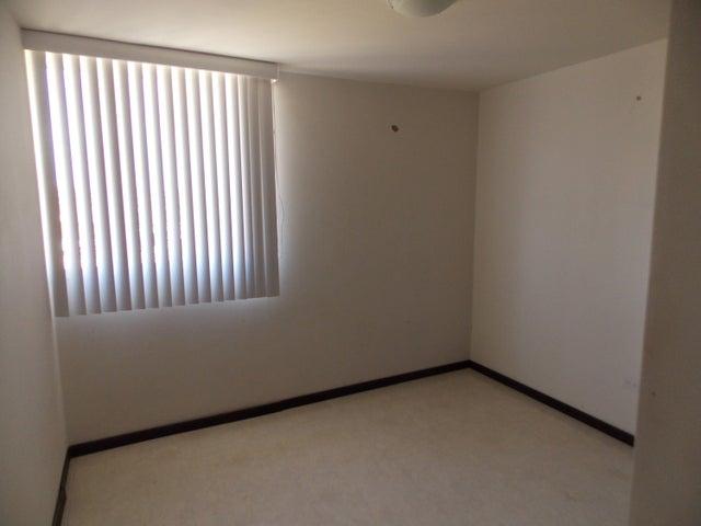 Apartamento Miranda>Higuerote>La Costanera - Venta:39.800 Precio Referencial - codigo: 21-2231
