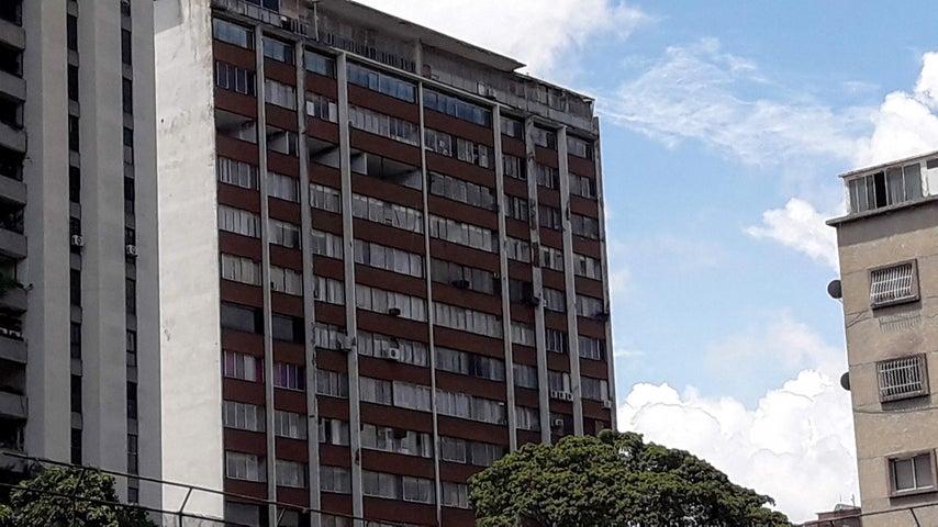 Local Comercial Distrito Metropolitano>Caracas>Mariperez - Venta:220.000 Precio Referencial - codigo: 21-2319