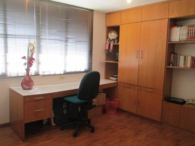 Apartamento Distrito Metropolitano>Caracas>El Marques - Venta:89.000 Precio Referencial - codigo: 21-2344