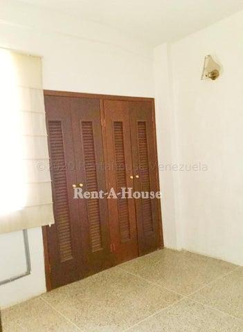 Apartamento Zulia>Maracaibo>Fuerzas Armadas - Venta:15.000 Precio Referencial - codigo: 21-2370