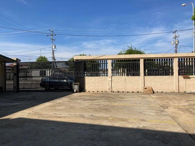 Galpon - Deposito Zulia>Ciudad Ojeda>Vargas - Alquiler:900 Precio Referencial - codigo: 21-3138