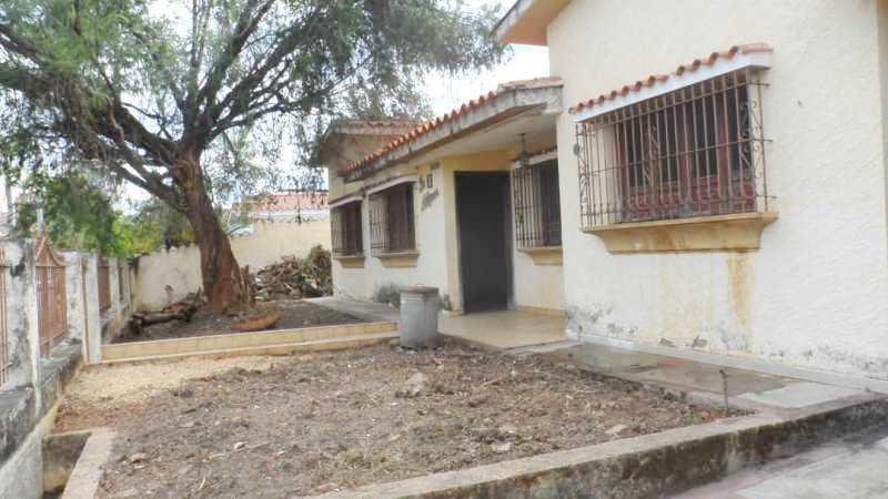 Casa Carabobo>Valencia>Valles de Camoruco - Venta:59.000 Precio Referencial - codigo: 21-2408