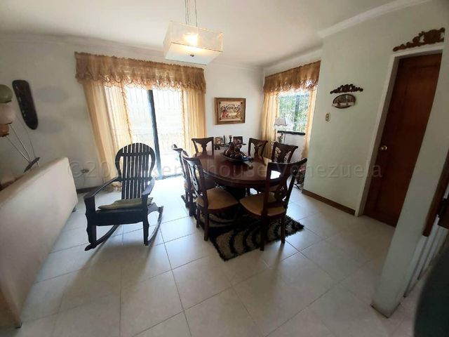 Casa Lara>Barquisimeto>Del Este - Venta:80.000 Precio Referencial - codigo: 21-3177