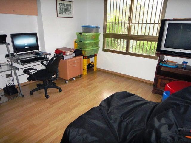 Apartamento Distrito Metropolitano>Caracas>Miranda - Venta:230.000 Precio Referencial - codigo: 21-2438