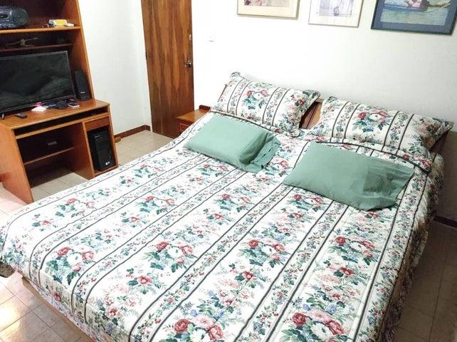 Casa Carabobo>Valencia>Trigal Norte - Venta:80.000 Precio Referencial - codigo: 21-2483
