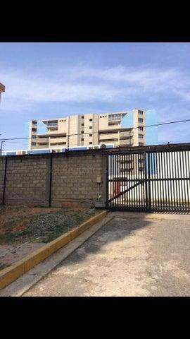 Apartamento Vargas>Catia La Mar>Playa Grande - Venta:46.000 Precio Referencial - codigo: 21-3184