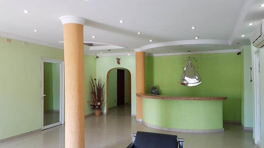 Local Comercial Falcon>Coro>Centro - Alquiler:400 Precio Referencial - codigo: 21-2512