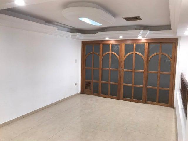 Casa Zulia>Maracaibo>Villa Delicias - Venta:30.000 Precio Referencial - codigo: 21-2730