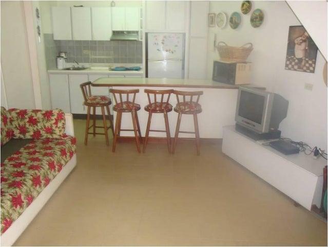 Apartamento Miranda>Higuerote>Palm Beach - Venta:12.000 Precio Referencial - codigo: 21-2553