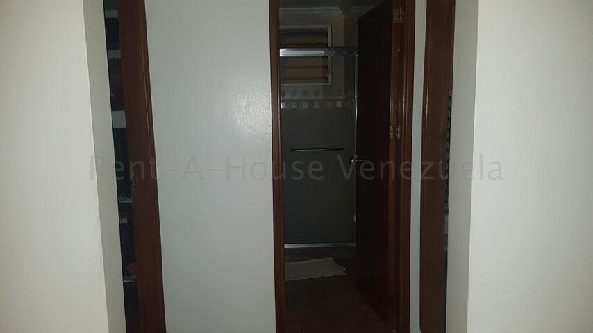 Casa Zulia>Maracaibo>Club Hipico - Venta:13.000 Precio Referencial - codigo: 21-2631