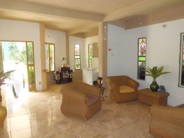Terreno Carabobo>Municipio Montalban>Aguirre - Venta:25.500 Precio Referencial - codigo: 21-2623