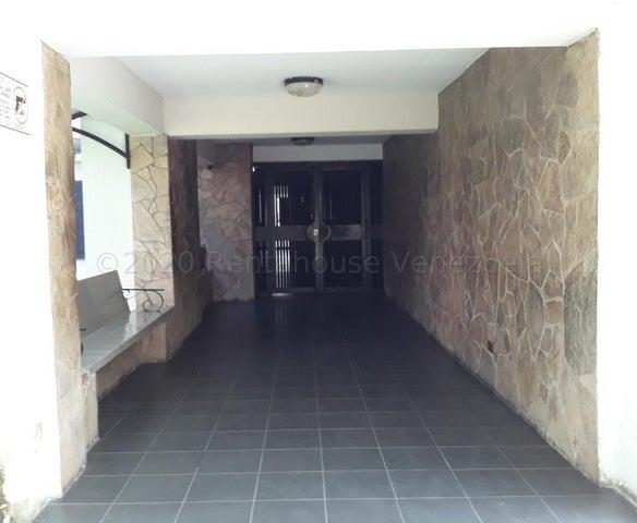 Apartamento Carabobo>Municipio Naguanagua>La Granja - Venta:60.000 Precio Referencial - codigo: 21-2642