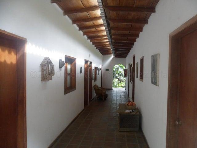 Negocios y Empresas Vargas>La Guaira>Carayaca - Venta:750.000 Precio Referencial - codigo: 21-3003