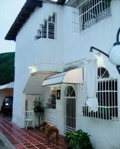 Townhouse Aragua>Turmero>Valle Fresco - Venta:20.000 Precio Referencial - codigo: 21-2684