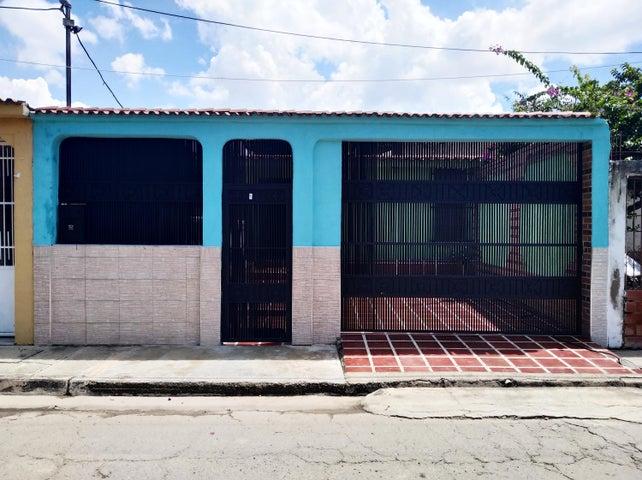 Casa Carabobo>Valencia>Flor Amarillo - Venta:9.000 Precio Referencial - codigo: 21-2685
