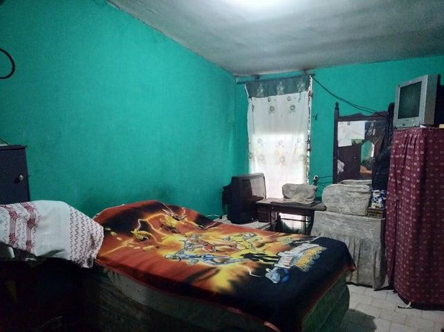 Casa Carabobo>Valencia>Flor Amarillo - Venta:8.500 Precio Referencial - codigo: 21-2696