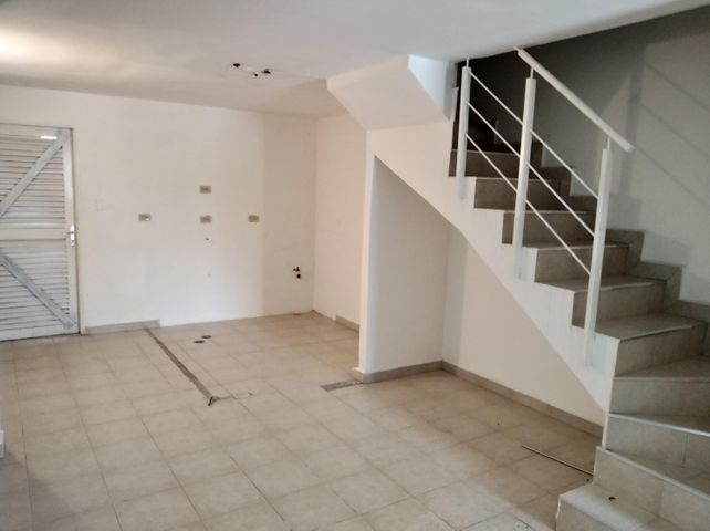 Townhouse Carabobo>Valencia>Parque Valencia - Venta:8.500 Precio Referencial - codigo: 21-2699