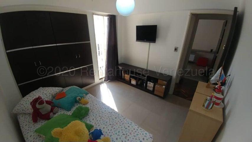 Apartamento Distrito Metropolitano>Caracas>Montalban III - Venta:70.000 Precio Referencial - codigo: 21-2521