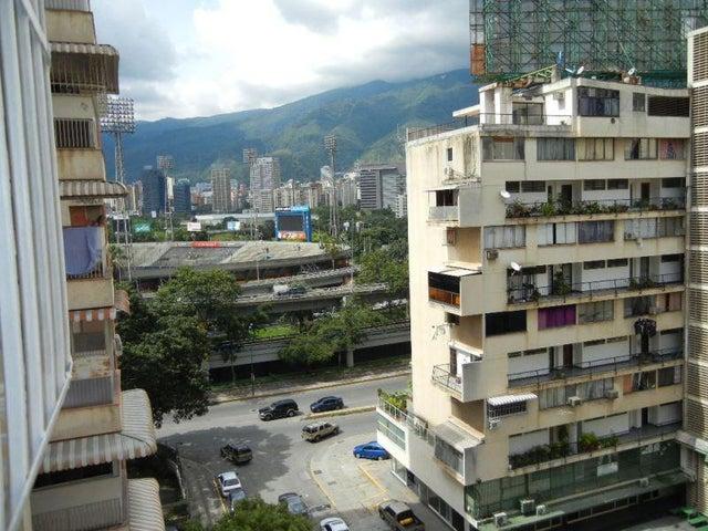 Apartamento Distrito Metropolitano>Caracas>Bello Monte - Venta:90.000 Precio Referencial - codigo: 21-2727