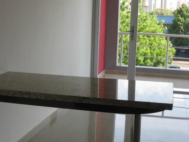 Apartamento Zulia>Maracaibo>Avenida Bella Vista - Venta:40.000 Precio Referencial - codigo: 21-2756
