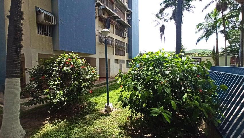 Apartamento Aragua>Turmero>San Pablo - Venta:12.000 Precio Referencial - codigo: 21-2747