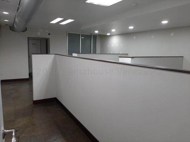Local Comercial Distrito Metropolitano>Caracas>Lomas de La Trinidad - Alquiler:550 Precio Referencial - codigo: 21-2769