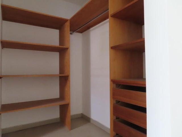 Apartamento Distrito Metropolitano>Caracas>La Campiña - Venta:85.000 Precio Referencial - codigo: 21-2757