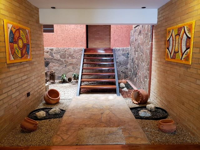 Casa Distrito Metropolitano>Caracas>Prados del Este - Venta:460.000 Precio Referencial - codigo: 21-2768
