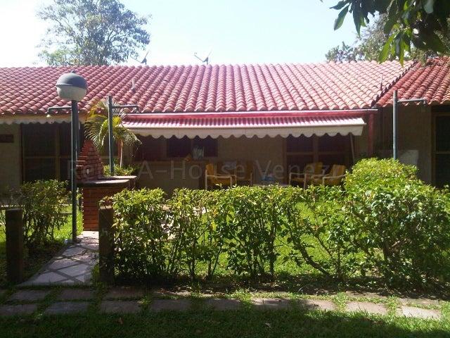 Townhouse Miranda>Higuerote>Palm Beach - Venta:9.000 Precio Referencial - codigo: 21-2791