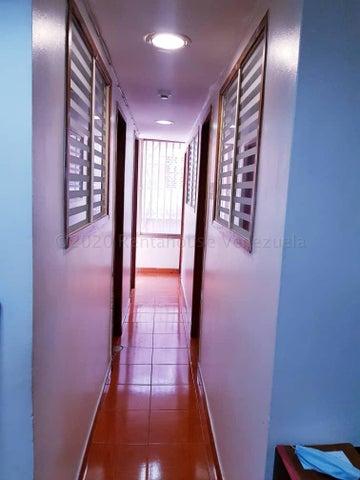 Oficina Distrito Metropolitano>Caracas>El Paraiso - Venta:40.000 Precio Referencial - codigo: 21-3319