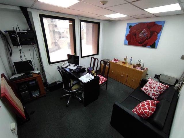 Oficina Distrito Metropolitano>Caracas>Chacao - Venta:95.000 Precio Referencial - codigo: 21-2851