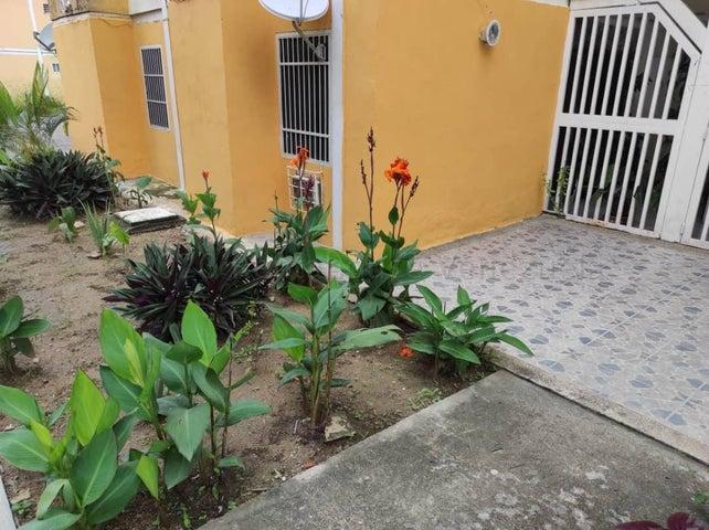 Apartamento Carabobo>Municipio Naguanagua>Santa Ana - Venta:13.000 Precio Referencial - codigo: 21-2878