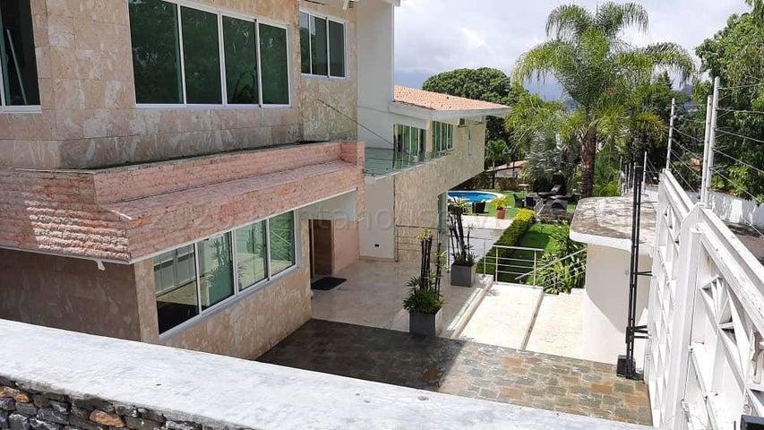 Casa Distrito Metropolitano>Caracas>Prados del Este - Venta:2.300.000 Precio Referencial - codigo: 21-2844