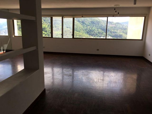 Casa Distrito Metropolitano>Caracas>La Tahona - Venta:180.000 Precio Referencial - codigo: 21-2987