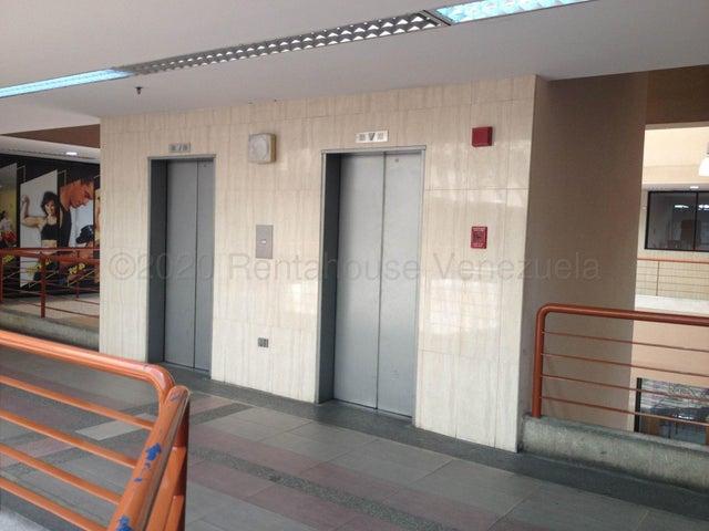 Local Comercial Miranda>Guatire>Buenaventura - Venta:135.000 Precio Referencial - codigo: 21-2982