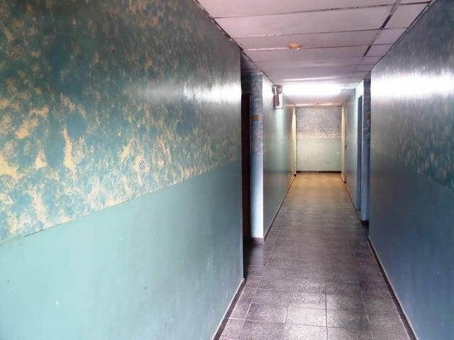 Galpon - Deposito Distrito Metropolitano>Caracas>Coche - Venta:53.000 Precio Referencial - codigo: 21-2985