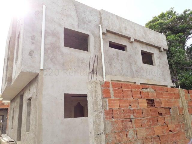 Casa Falcon>Coro>Centro - Venta:30.000 Precio Referencial - codigo: 21-2984