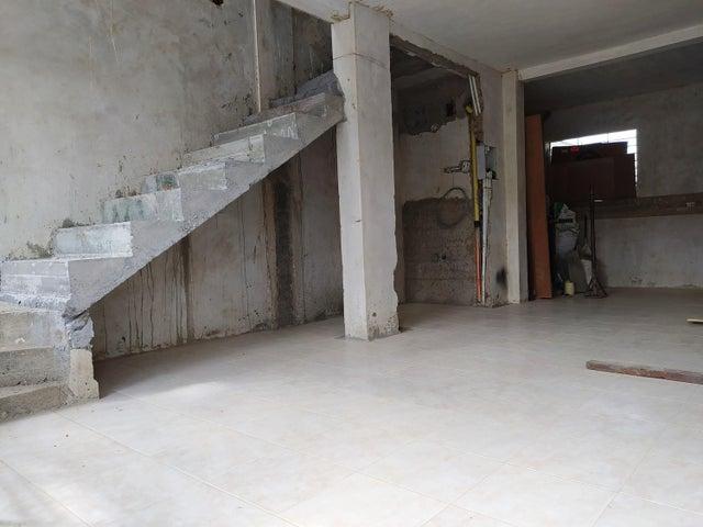 Casa Lara>Cabudare>El Amanecer - Venta:10.000 Precio Referencial - codigo: 21-3002