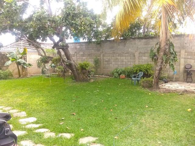 Casa Lara>Cabudare>Parroquia Jose Gregorio - Venta:14.000 Precio Referencial - codigo: 21-3004