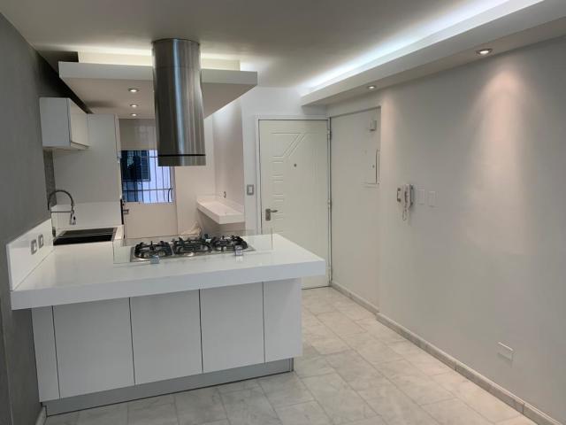 Apartamento Distrito Metropolitano>Caracas>Parroquia La Candelaria - Venta:31.000 Precio Referencial - codigo: 21-3005