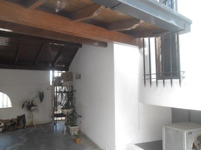 Casa Distrito Metropolitano>Caracas>Colinas de Santa Monica - Venta:190.000 Precio Referencial - codigo: 21-3021